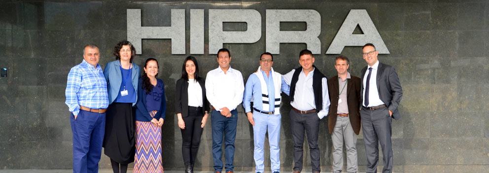 companion animal veterinarians visit HIPRA for a training session on immunological principles in the production of companion animal vaccines